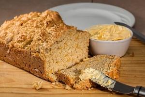 Küchenmaschine zum Backen - Rezept für Kartoffel-Zwiebel-Brot