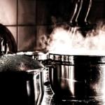 Traditionelles Kochgeschirr und Material ABC für Kochanfänger